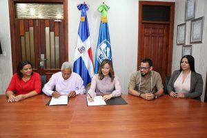 SRSM y Junta de Vecinos Jesús Nazaret firman acuerdo colaboración