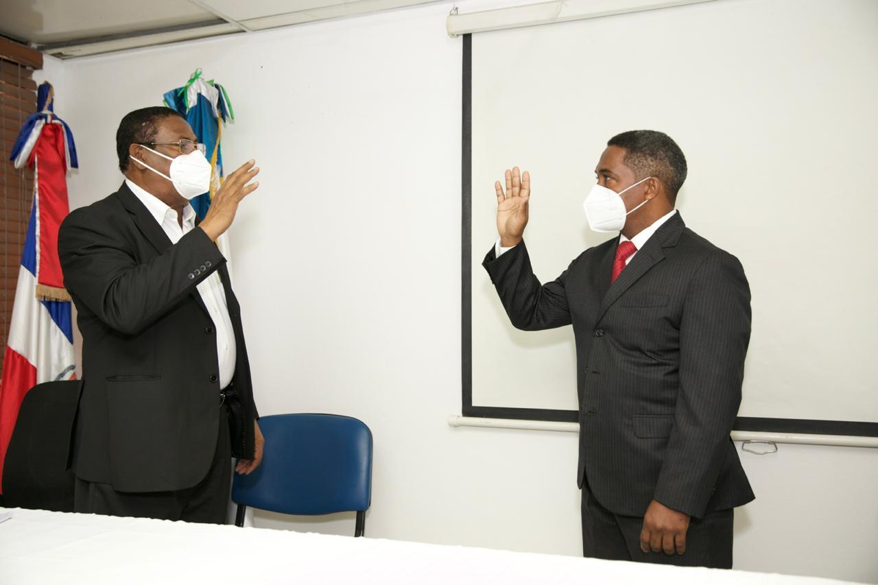 SRSM juramenta director Hospital de la Mujer Dominicana.