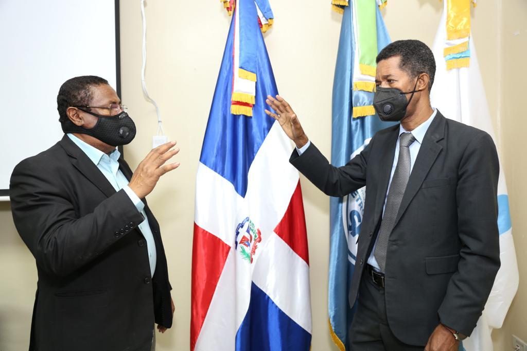 SRSM posesiona al doctor Clemente Terrero en la Dirección del Hospital Robert Reid